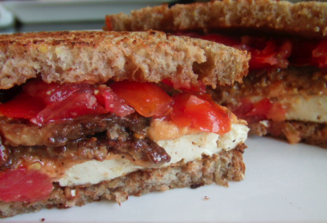 Post image for The Ultimate Vegan Breakfast Sandwich