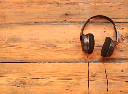 Post image for 24 Podcasts That Will Improve Your Life