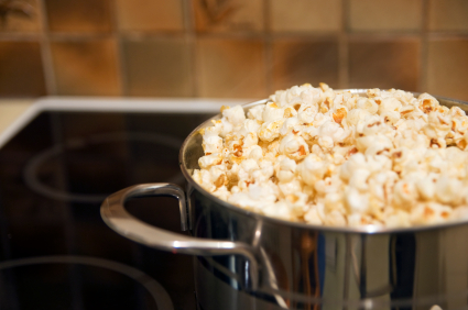 Post image for Make Your Own Popcorn (Microwave-Free)
