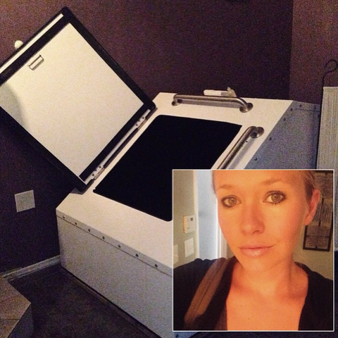 What It's Like Inside A Sensory Deprivation Float Tank - Healthy Crush